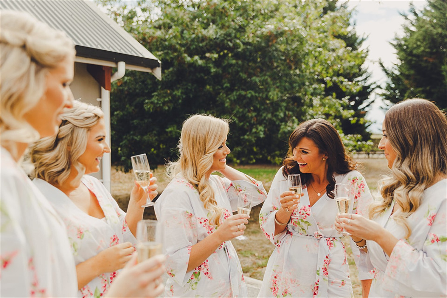 bridesmaids, wedding, bridal party, maid of honour, dress, style, timeline, planning, vendors, co-ordination, guests, support, bridal